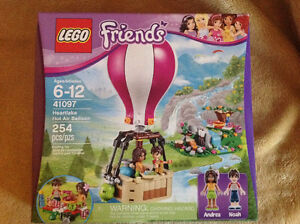Lego Friends # 41097 Heartlake Hot Air Balloon