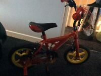 Small kids bike with stabilisers