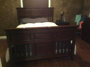 Queen Size Wood Bed Frame and Serta Low Proflie Box Spring