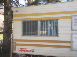 Vanguard 8' truck camper