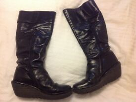 Fly designer boots size 7