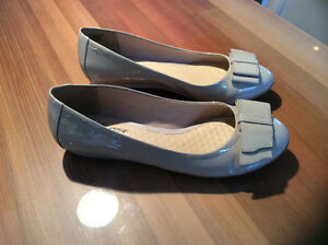 Souliers/ ballerines  Hush Puppies neufs