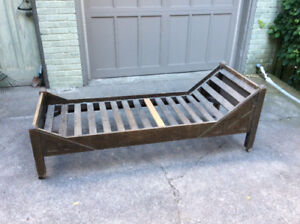 Antique arts and crafts mission oak daybed - Must go.