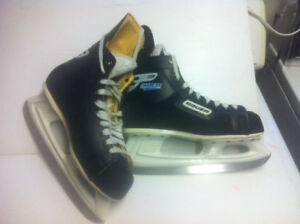 HOCKEY SKATES BAUER AUTHENTIC  CHARGERS $75.00 OBO