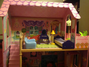 Doll house with elevator London Ontario image 3