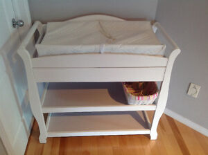 Table a langer buy sell items tickets or tech in - Commode table a langer blanche ...