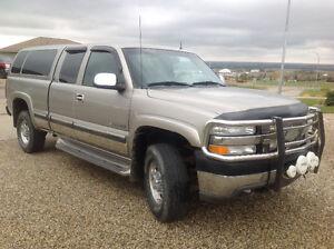 2001 Chevrolet Silverado 2500 LT Pickup Truck