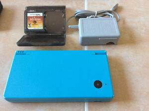Nintendo dsi + chargeur + hell'kitchen.