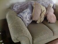 2 seater settee in perfect condition