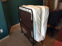 Rollaway cot