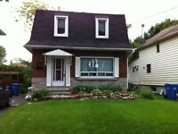 Two storey cottage in Pointe-Claire