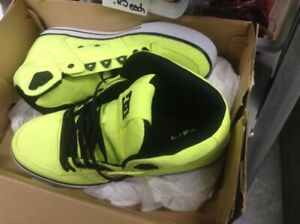 DC SKATE RUNNERS SUPER COOL RUNNERS SIZE 12.