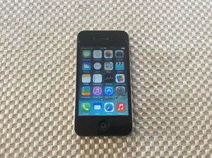 iPhone 4 8gig w/ 2 cases and 3 usb cords, perfect working cond. Gatineau Ottawa / Gatineau Area image 4