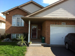 Beautiful Beamsville  home all utilities included