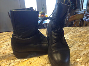 Black leather boots Cornwall Ontario image 1