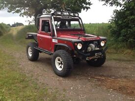 Land Rover defender 300tdi challenge off roader