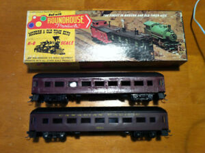 HO CANADIAN PACIFIC PASSENGER CARS PAIR