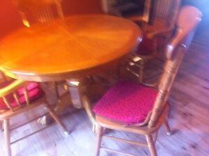 Oak table and chairs Kawartha Lakes Peterborough Area image 2
