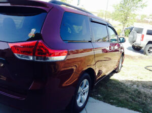 2012 Toyota Sienna LE Loaded Minivan, Van