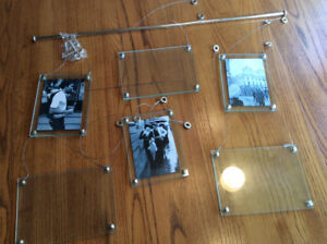 Umbra Hanging  Picture frame