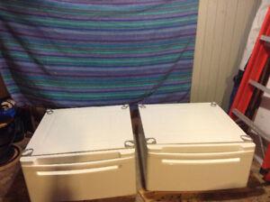 Deux bases (tiroir) pour laveuse sécheuse frontales