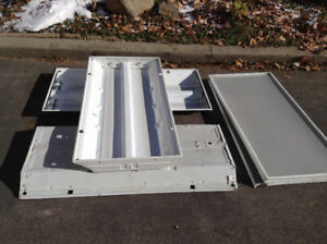"""3 low profile  florescent lamp box 24""""X48"""" with new ballest"""