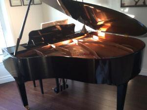 PIANO - YAMAHA BABY GRAND