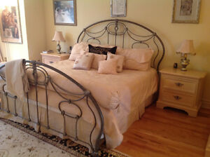 Beautiful Lexington King size bedroom set complete with mattress