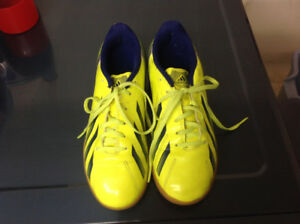 Indoor soccer shoes adidas ladies size 5