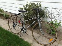 Vélo de route FREE SPIRIT roues de 27 1 1/4 Cadre de 21 pcs,