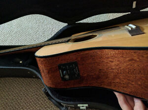Fender CD60CE NAT perfect condition