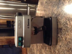 Machine à espresso - cafetière - Saeco
