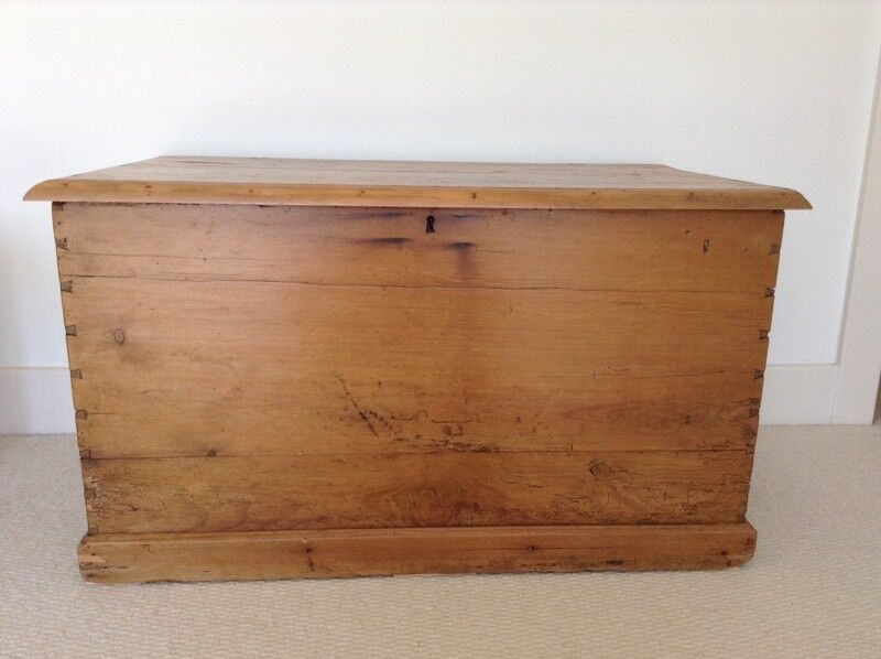 Antique Pine Large Chest Trunk Ideal Toy Box Blanket Storage Or Coffee Table