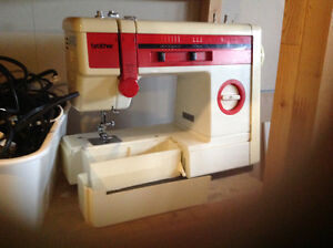 BROTHER  Sewing Machine Cambridge Kitchener Area image 2