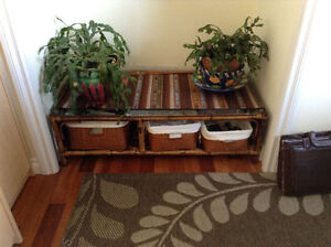Ratan coffee table with 3 wicker baskets