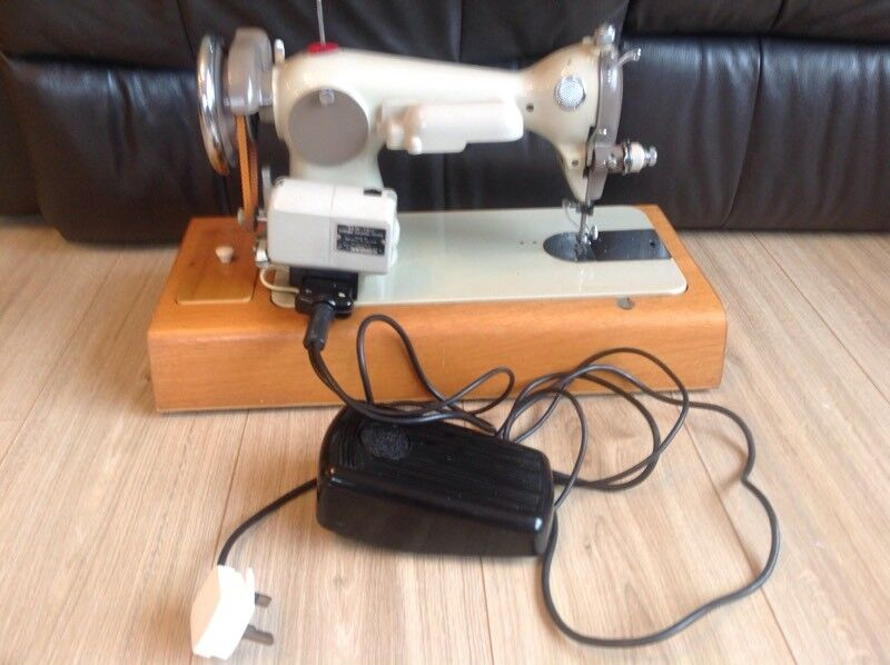 Gamages Sewing Machine Working In Sidcup London Gumtree Adorable Gamages Sewing Machine