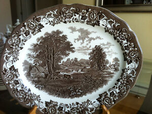 SET DE VAISSELLE ROMANTIC ENGLAND ROYAL STAFFORDSHIRE