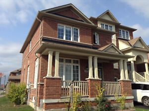 3 bed 3bath whole house for rent in Markham Greensborough 16th/9
