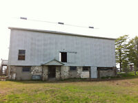 BARN ---> 4800 SQ FOR LEASE!!
