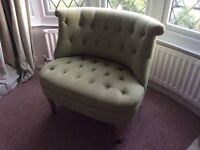 Bedroom button occasional boudoir chair