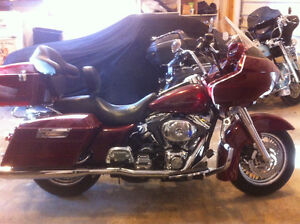 Beautiful RoadGlide with Extras