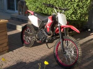 X-moto 31, Gio 250 cc Dirt Bike