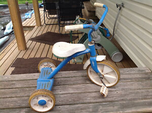 Spruce up child's tricycle