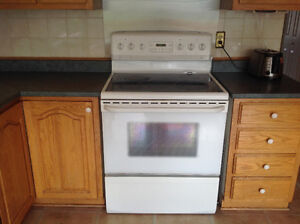 Side by side refrigerator and stove and oven for sale West Island Greater Montréal image 6