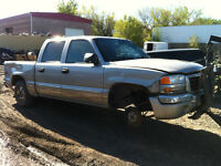 PARTING OUT 2005 GMC K1500 4WD HALF TON CREWCAB, COLLISION DAMAG