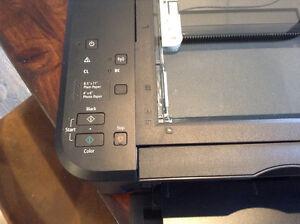 Canon Pixma MG3520 Printer Black Kingston Kingston Area image 2