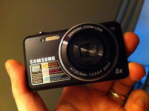 Camera Samsung SH100 noir Wifi / Comme neuve