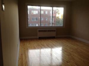 APARTMENT/Appartement NDG Incl. Heat+Hot Water+Fridge/Stove