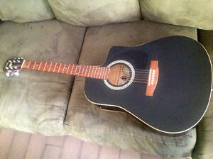 LIKE NEW ART & LUTHERIE  ACOUSTIC ELECTRIC GUITAR