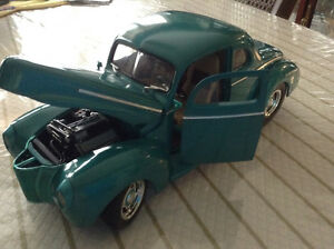 FOR SALE:  1940 FORD STREET ROD - 1:18 scale DIECAST